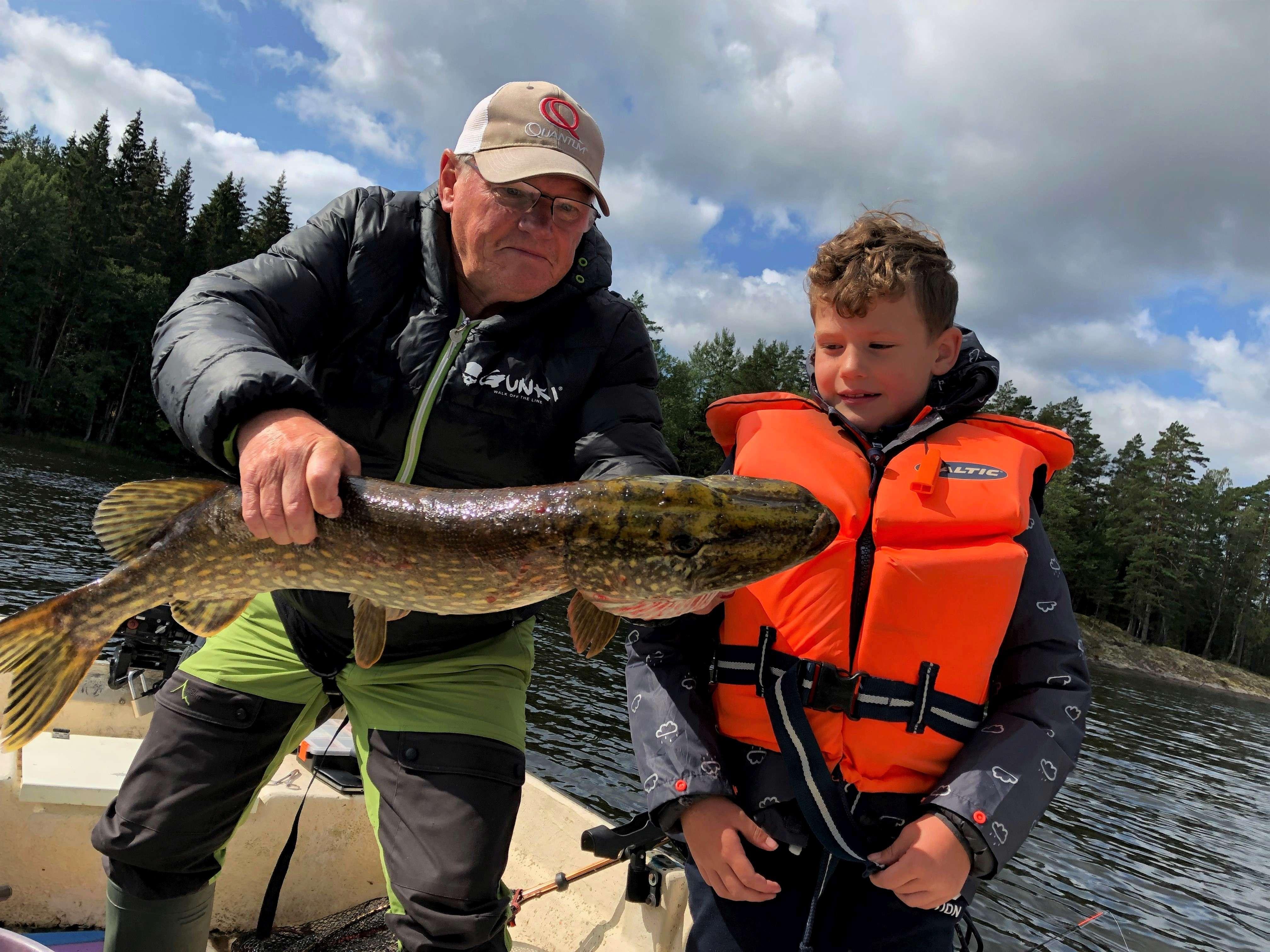 Fiskeguidning incl. fiskekort och fiskredskap på Mycklaflons sjö